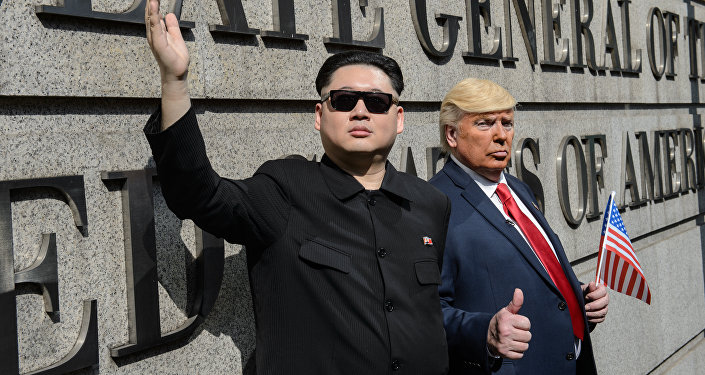 Sósias do presidente dos EUA, Donald Trump, e do líder da Coreia do Norte, Kim Jong-un
