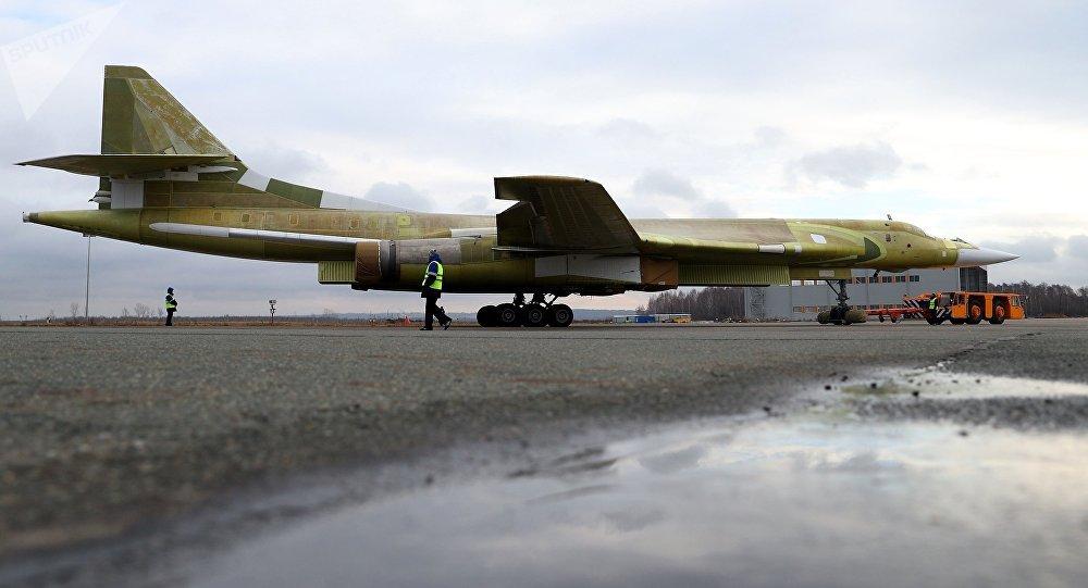 Modelo do Tu-160 modernizado