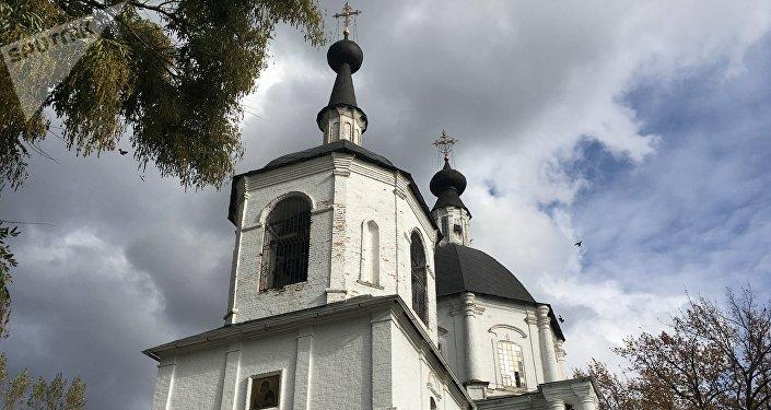 Igreja na stanitsa Starocherkasskaya que por muito tempo desempenhou o papel de convento feminino