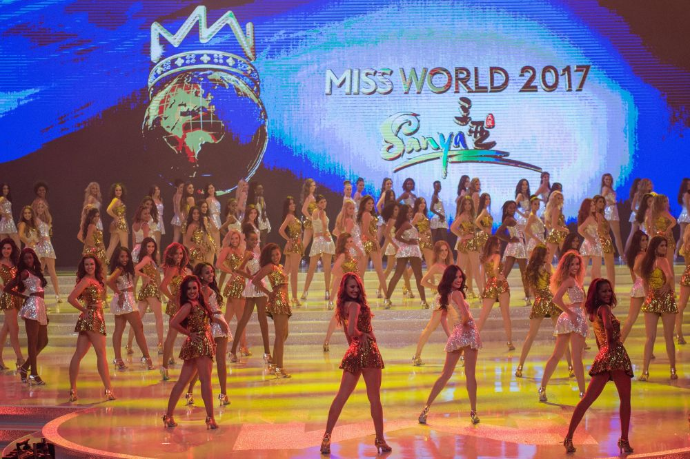 Participantes posam durante o 67º concurso Miss Mundo na cidade de Sanya, na ilha tropical chinesa de Hainan, em 18 de novembro de 2017