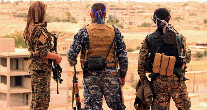 Militantes das Forças Democráticas da Síria, foto de arquivo