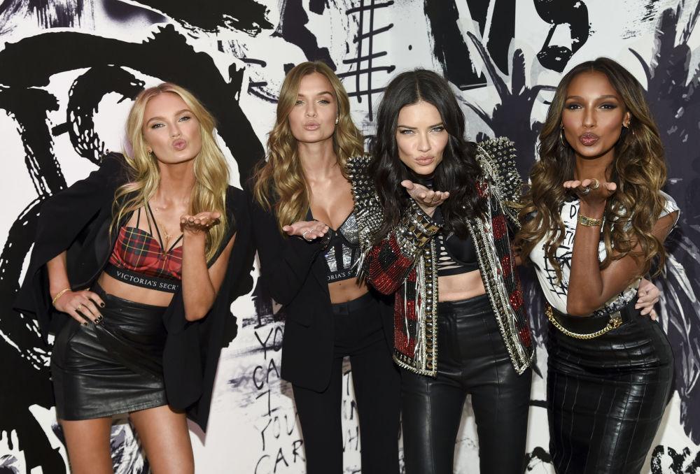 Anjinhas da Victória's Secret durante show da marca em Nova York