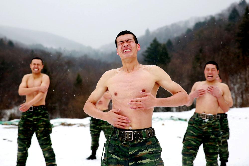 Treinamentos de soldados chineses