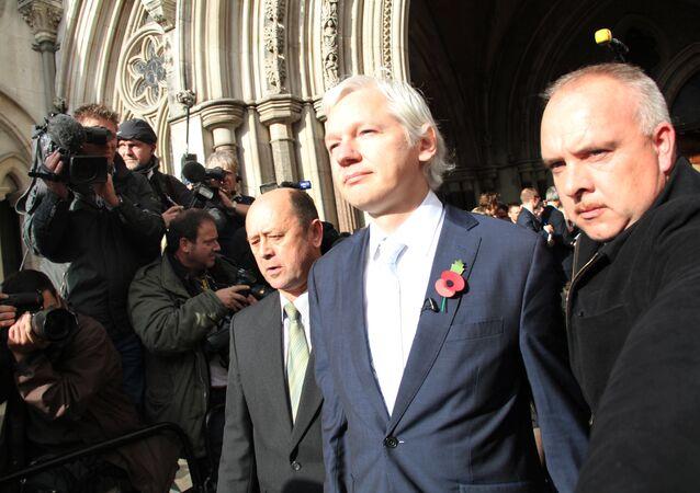 Um tribunal britânico confirma decisão de extraditar Assange para a Suécia