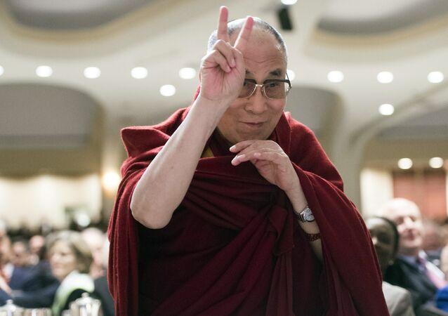 Dalai Lama visitará região disputada entre chineses e indianos no próximo mês
