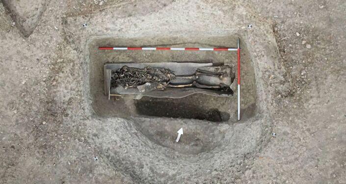 Esqueleto encontrado em um caixão de chumbo