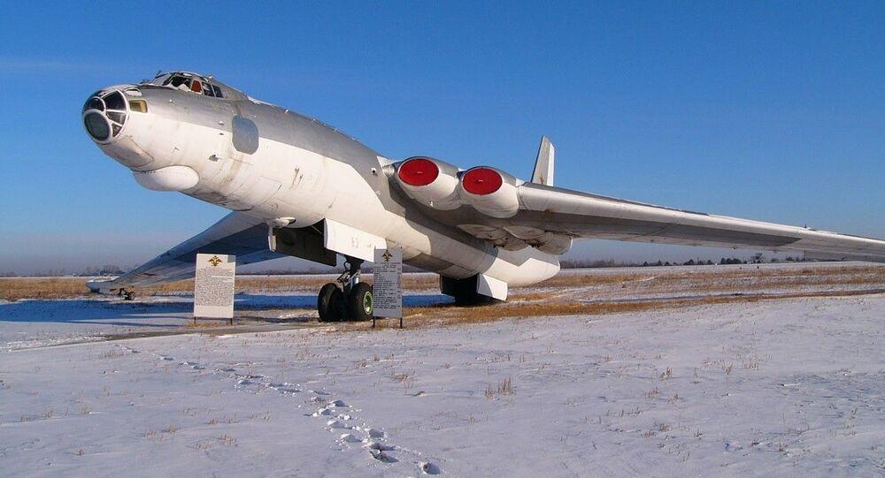 Bombardeiro soviético M-4