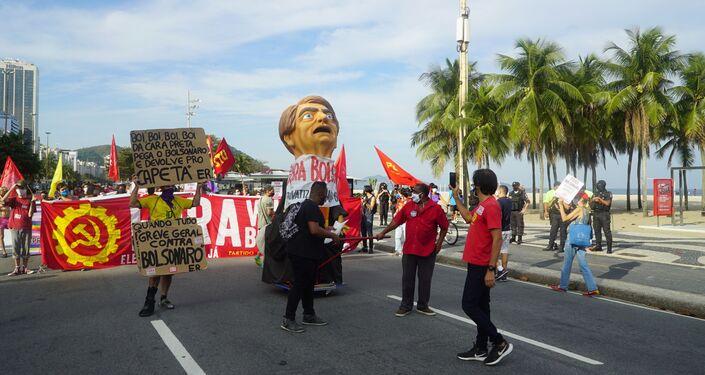 Ato contra o presidente Jair Bolsonaro na Zona Sul do Rio de Janeiro
