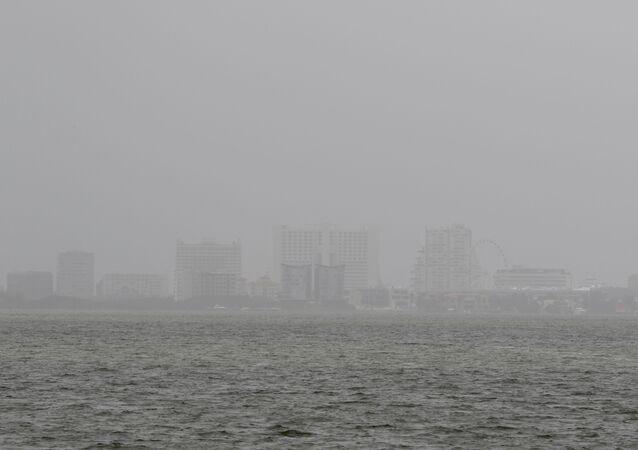 Visão geral de Cancún, México, envolta por poeira transportada pelos ventos desde o deserto do Saara, 25 de junho de 2020