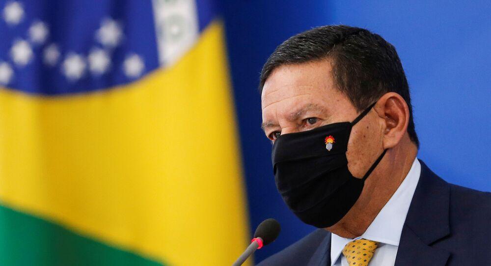 Vice-presidente do Brasil, Hamilton Mourão, durante coletiva de imprensa no Palácio do Planalto em Brasília, Brasil, 9 de julho de 2020