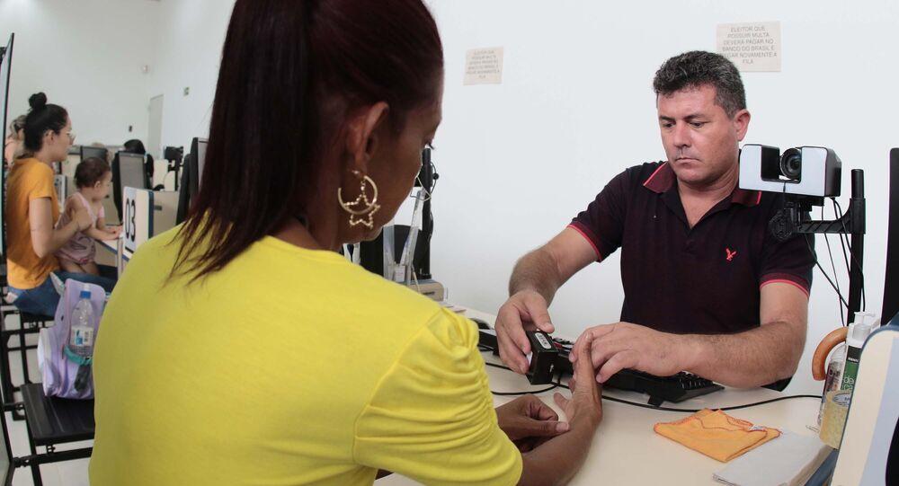 Votação pelo sistema biométrico no Brasil