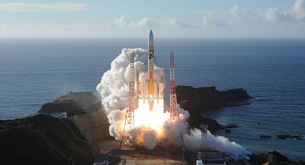 Lançamento de foguete com a sonda Esperança, desenvolvida pelos Emirados Árabes Unidos, de base em Tanegashima, no Japão