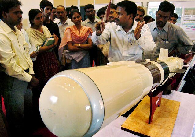 Míssil Lançado por helicóptero Nag (HELINA, na sigla em inglês) na Índia