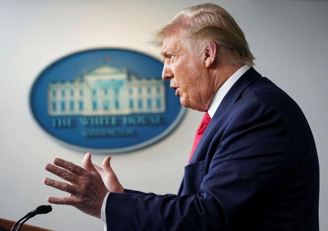 Presidente dos EUA, Donald Trump, durante coletiva de imprensa na Casa Branca em Washington, EUA, 23 de julho de 2020