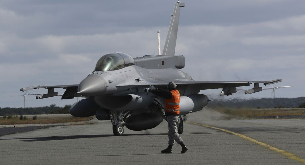 Caça F-16 da Força Aérea do Chile