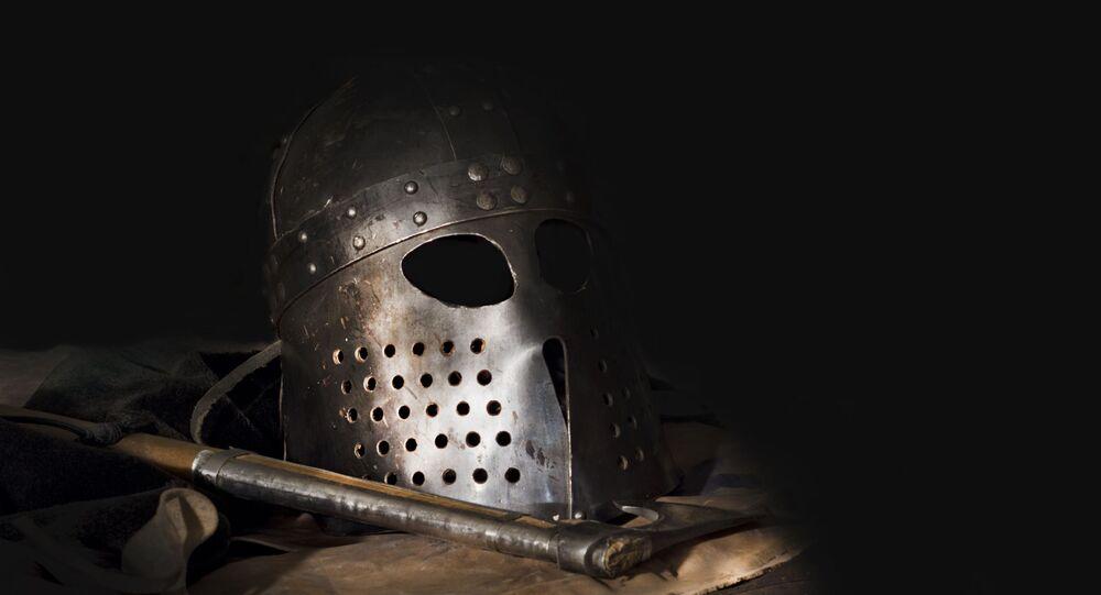 Viking com capacete