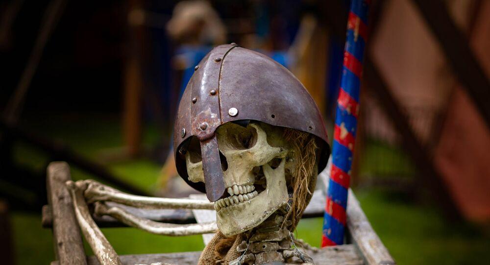 Representação de viking morto
