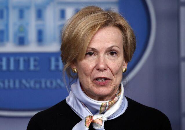 Dra. Deborah Birx, coordenadora de resposta ao coronavírus da Casa Branca, fala sobre o coronavírus na sala James Brady Briefing, Washington, 24 de março de 2020