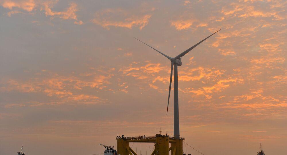 Etapas da construção e instalação das turbinas do parque eólico flutuante português Windfloat Atlantic