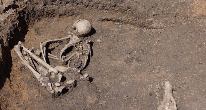 Arqueólogos da Academia de Ciências da Bulgária descobrem durante escavação túmulos de 8.000 anos em Slatina