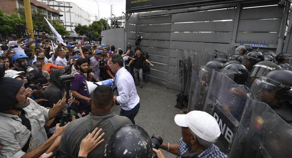 Líder opositor Juan Guaidó participa de ato em Caracas, na Venezuela, para tentar retomar controle da Assembleia Nacional
