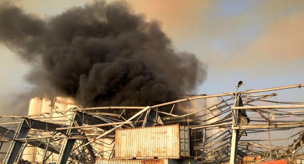 Fumaça decorrente da explosão que ocorreu nesta terça-feira (4) na cidade de Beirute, capital do Líbano.