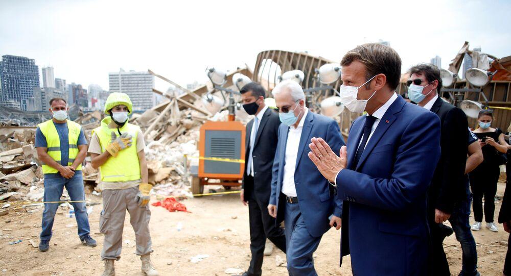 Macron visita local de explosão que atingiu porto de Beirute, no Líbano