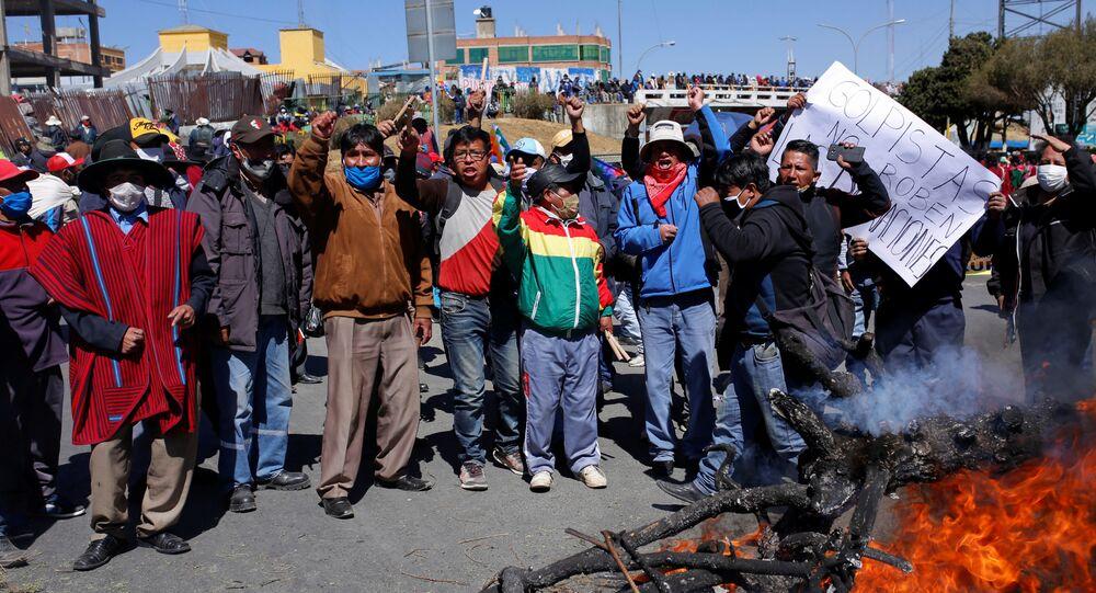 Presidente da Bolívia convoca diálogo nacional para marcar eleições e encerrar protestos