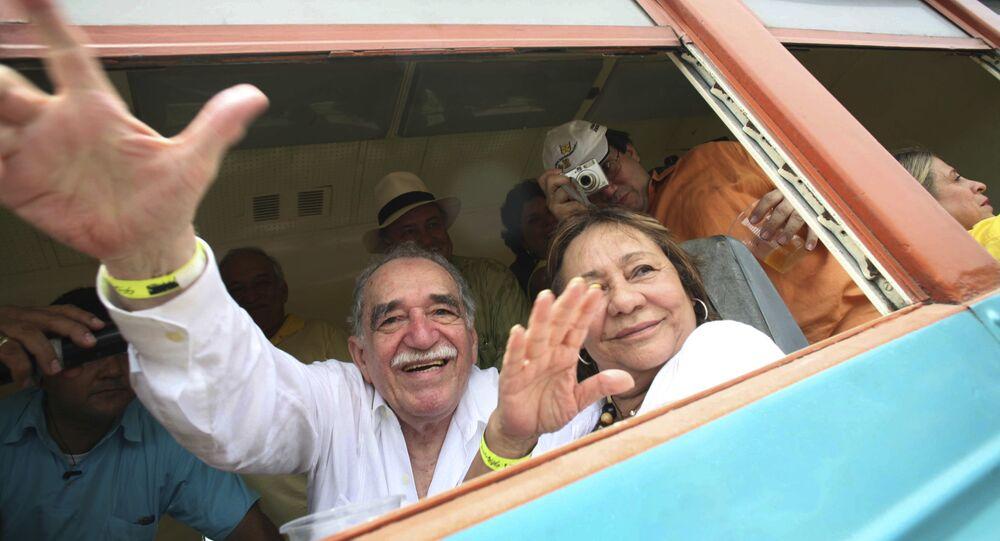 O vencedor no Nobel Gabriel Garcia Marquez e sua esposa, Mercedes Barcha, em foto de 2007.