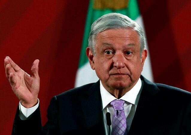 Presidente do México, Andrés Manuel López Obrador, participa de uma coletiva de imprensa no Palácio Nacional na Cidade do México, México, 18 de fevereiro de 2020