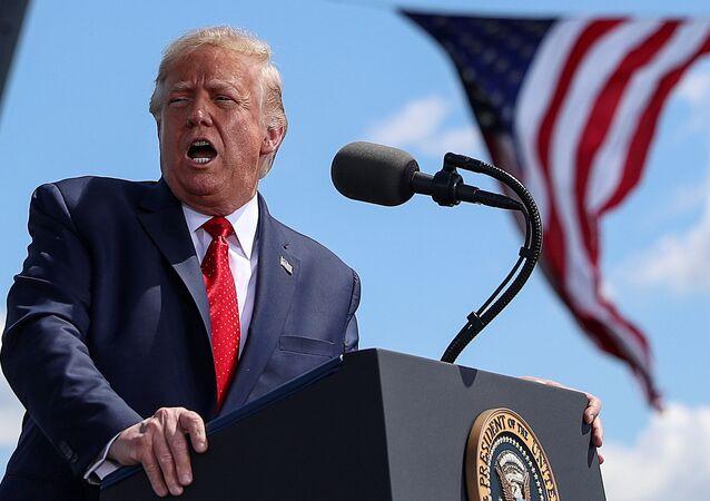 Presidente dos EUA, Donald Trump durante comício no aeroporto de Mankato, em Minnesota (EUA), 17 de agosto de 2020