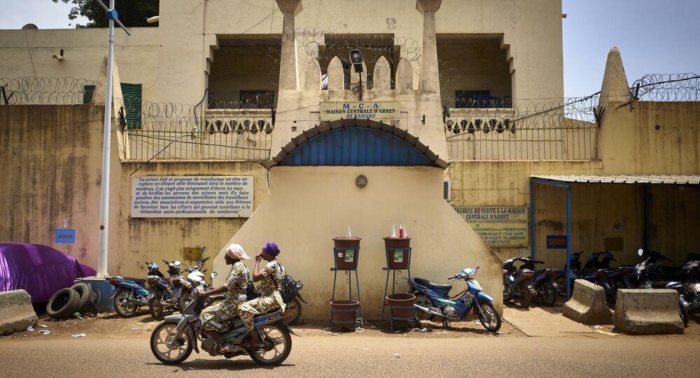 Entrada de prisão na capital do Mali, Bamaco, 3 de julho de 2020