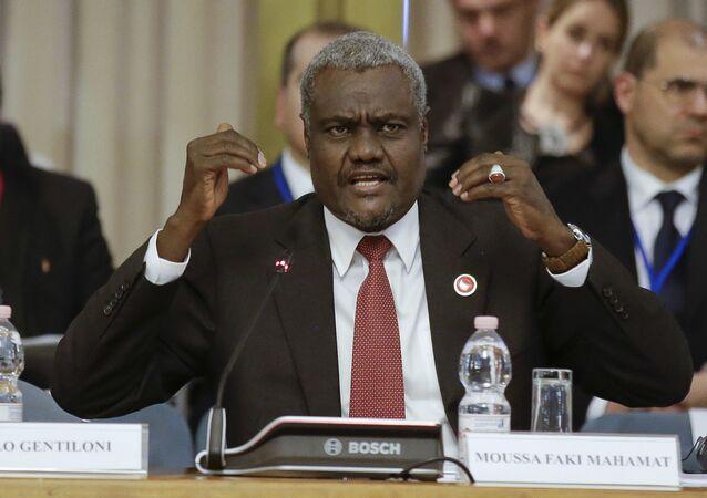 Em Roma, o então chanceler do Chade e presidente do Conselho da União Africana, Moussa Faki Mahamat, fala durante um encontro de ministros da Organização das Nações Unidas (ONU), em 18 de maio de 2016.