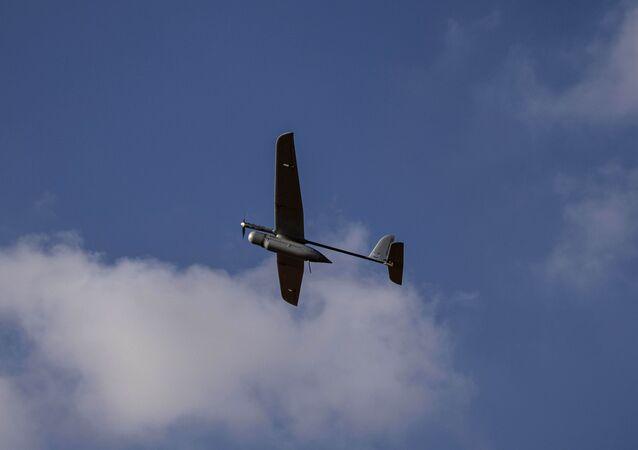 Drone militar de Israel sobrevoa área próxima da fronteira de Gaza