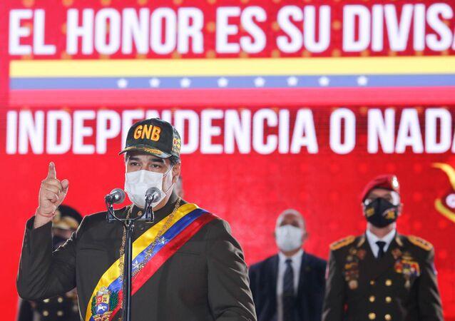 Presidente da Venezuela, Nicolás Maduro, fala durante cerimônia de aniversário da Guarda Nacional Bolivariana da Venezuela, em meio à pandemia do novo coronavírus (SARS-CoV-2), em Caracas, Venezuela, 4 de agosto de 2020