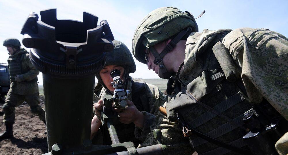 Disparo de morteiros na competição Mestres de Fogo de Artilharia 2019 no polígono Kadamovsky, região de Rostov, Rússia