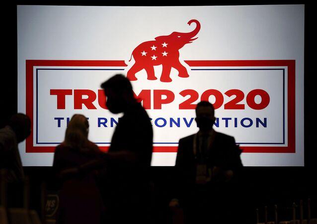 Delegados se reúnem para Convenção do Partido Republicano dos EUA, em Charlotte, Carolina do Norte, EUA, 24 de agosto de 2020