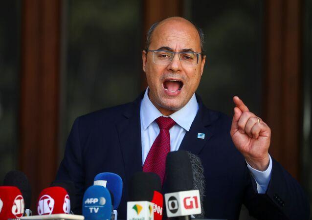 O governador do Rio de Janeiro Wilson Witzel faz pronunciamento à imprensa após ser afastado do cargo.