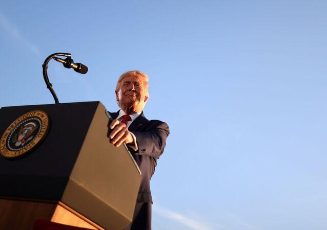 Presidente dos EUA, Donald Trump, realiza um comício de campanha em Londonderry, New Hampshire, EUA, 28 de agosto de 2020