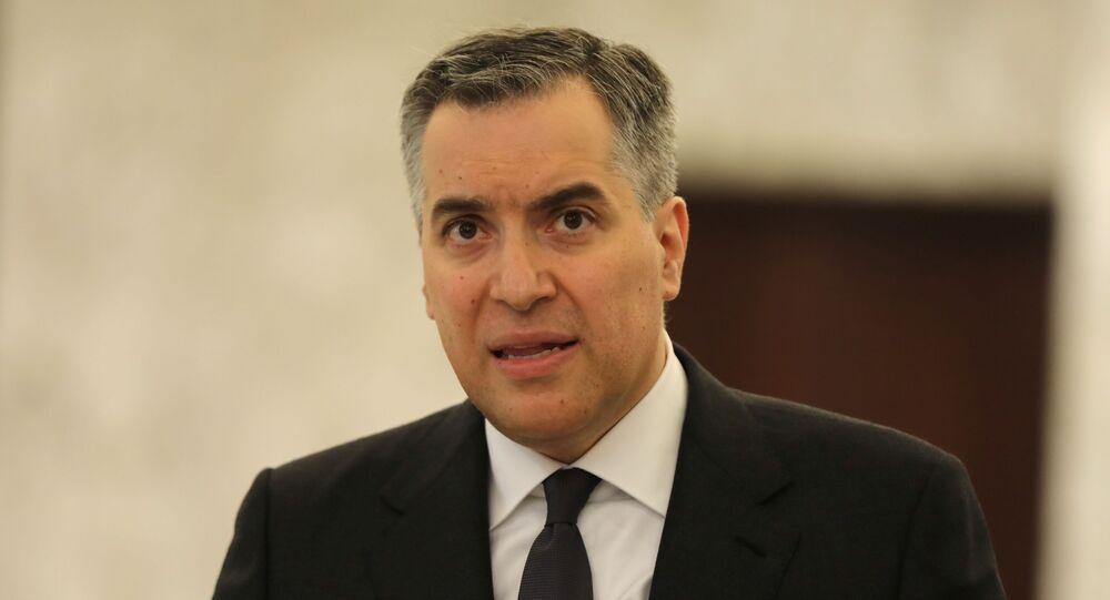 Mustapha Adib fala à imprensa em Baabda após ser nomeado como primeiro-ministro do Líbano