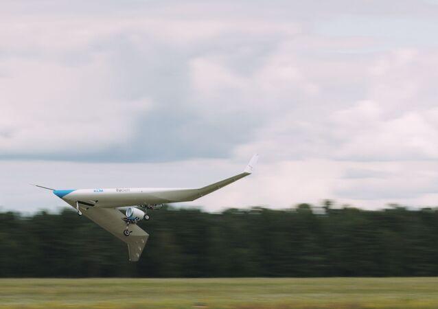 Protótipo de avião Flying-V faz voo de teste