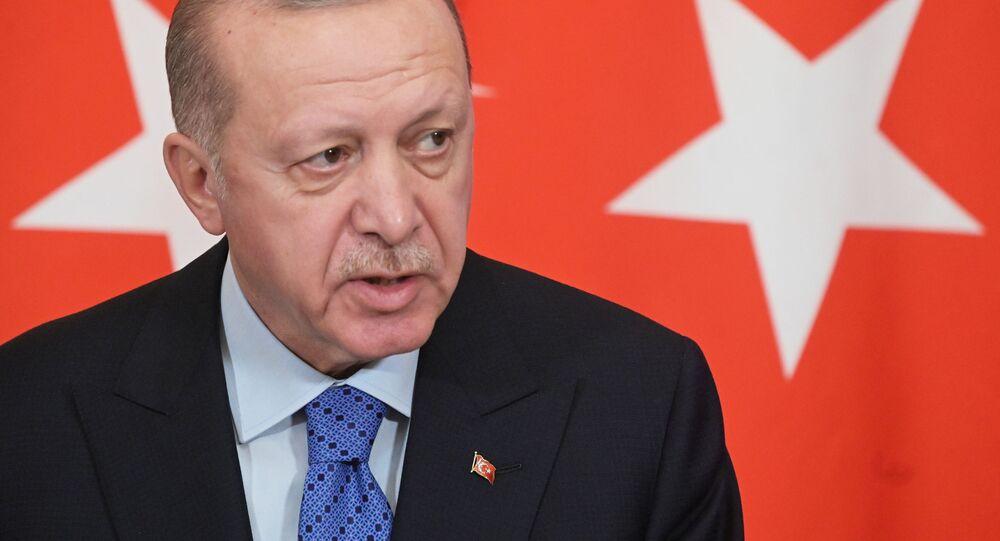 O presidente da Turquia, Tayyip Erdogan, em coletiva de imprensa em Moscou.