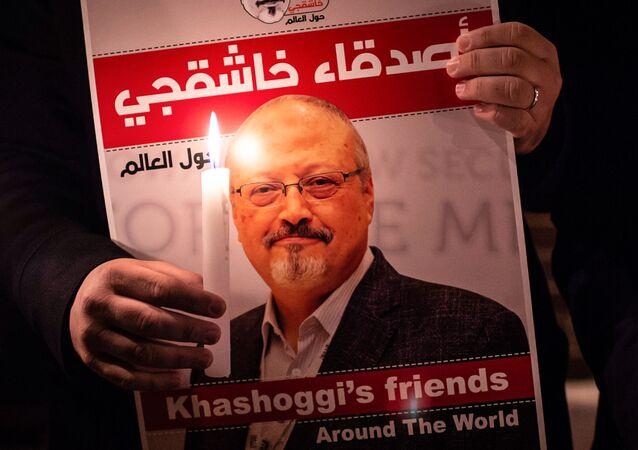 Manifestantes realizam ato em homenagem ao jornalista Jamal Khashoggi, em Istambul, Turquia (foto de arquivo)