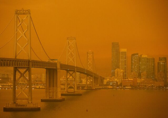 Cidade californiana de São Francisco tomada por fumaça, em meio aos incêndios florestais nos EUA, 9 de setembro de 2020