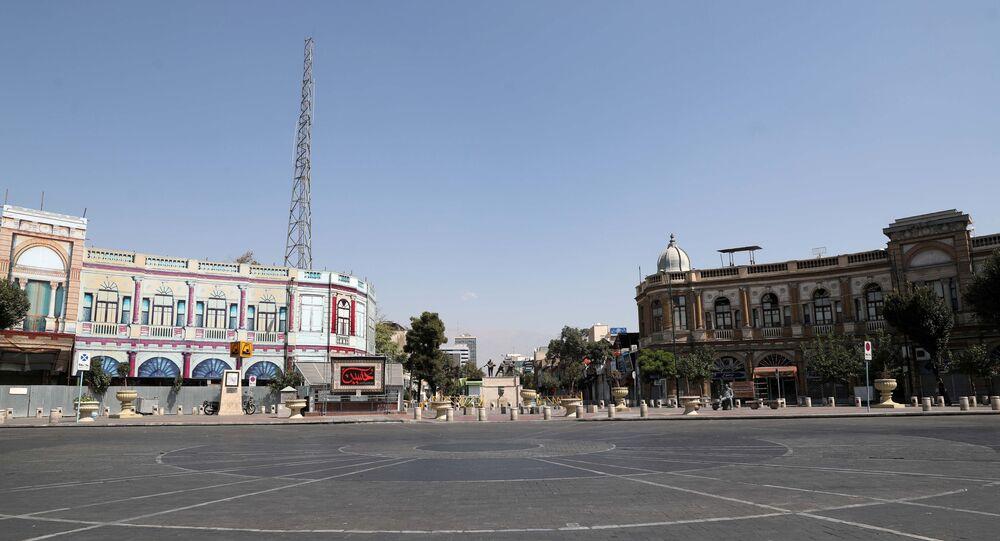 Praça quase vazia no dia da Ashura, em meio à pandemia do novo coronavírus, Teerã, Irã, 30 de agosto de 2020