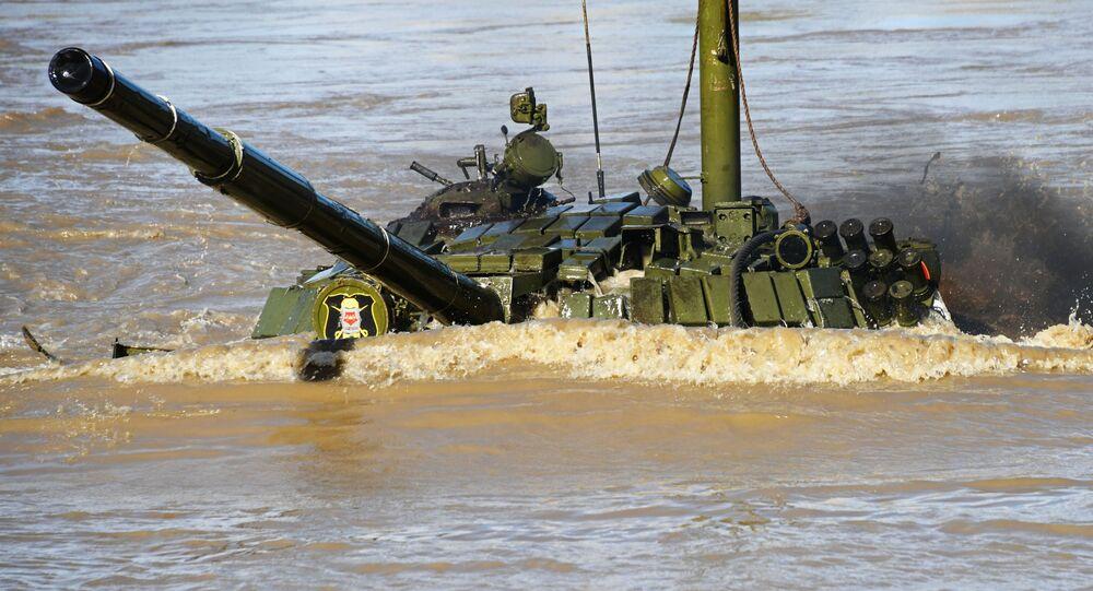 Exercício com tanque do Distrito Militar do Leste