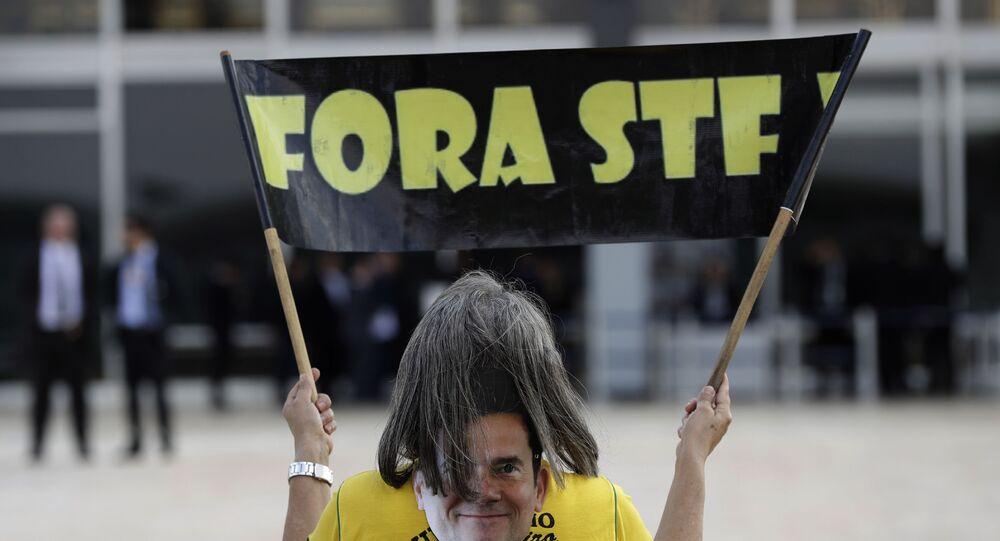 Manifestante em protesto contra o Supremo Tribunal Federal (STF) e em apoio à Operação Lava Jato, em Brasília, 25 de setembro de 2019