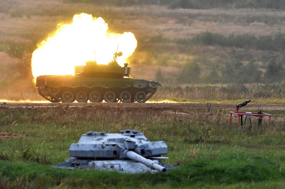 Tanque Type 96 da China durante a exposição EXÉRCITO 2020