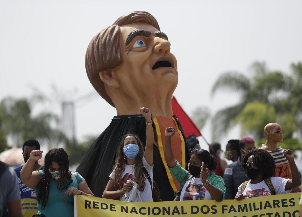 Protestos contra o presidente Jair Bolsonaro realizados no Dia da Independência do Brasil no Rio de Janeiro, 7 de setembro de 2020