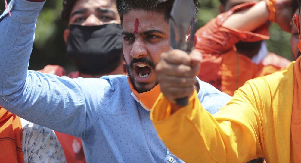 Manifestantes realizam ato contra a China na região de Jammu, na Índia, 17 de junho de 2020